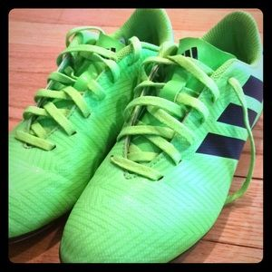 Boys Adidas soccer cleats size 3 1/2